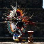 XVIII Панамерика оюндарынын отун күйгүзүү аземи. Теотиуакана (Мексика).