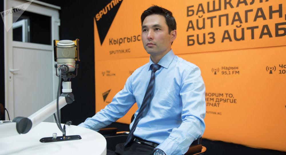 Жаш акын Умар Нусубалиев