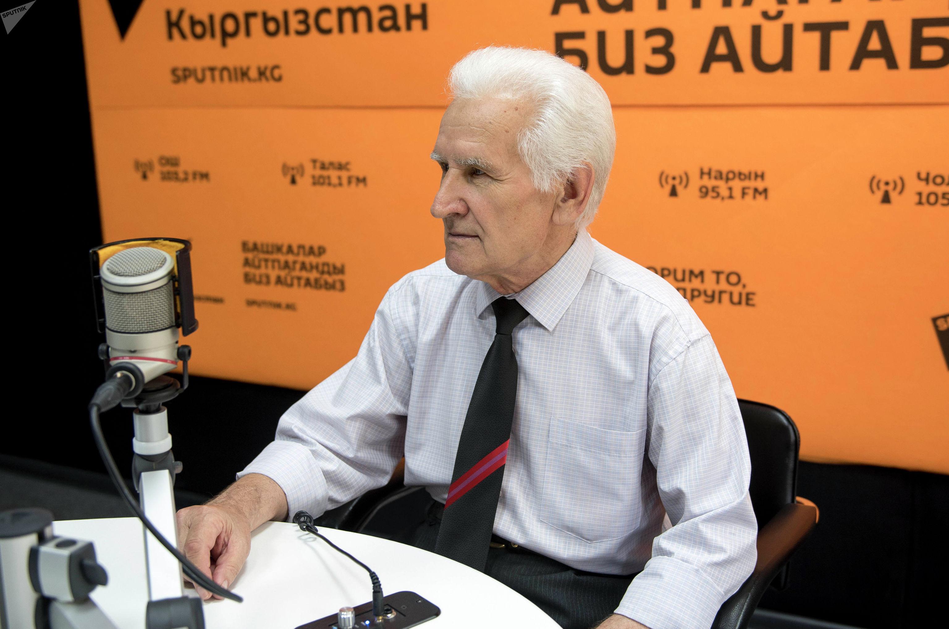 Ведущий научный сотрудник, исполняющий обязанности руководителя лаборатории гидроэнергетики Института водных проблем и гидроэнергетики Национальной академии наук Кыргызстана Владимир Липкин.