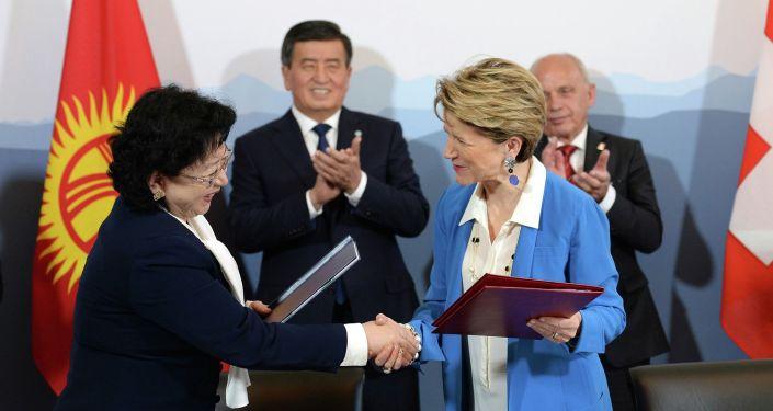 По итогам переговоров Президента Сооронбая Жээнбекова с Президентом Швейцарии Ули Маурером подписан ряд документов