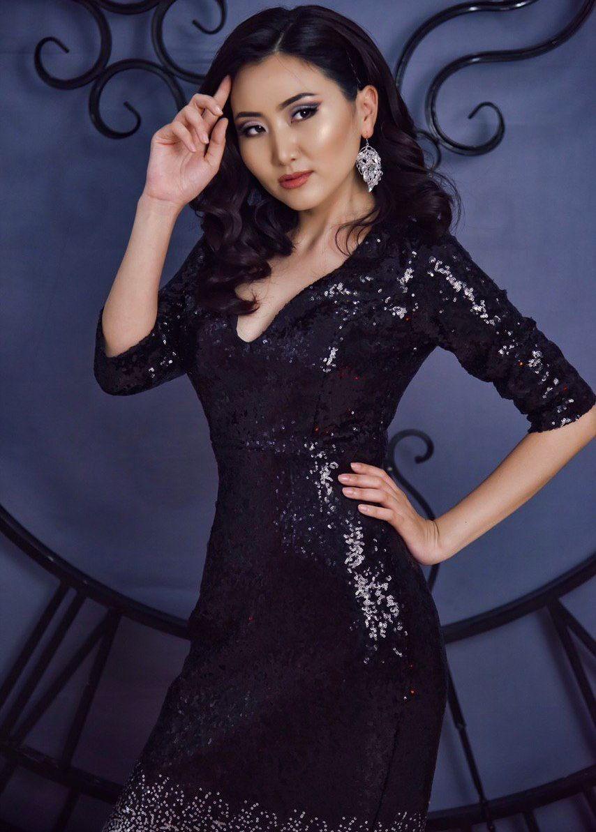 Актриса, блогер и телеведущая Назира Айтбекова