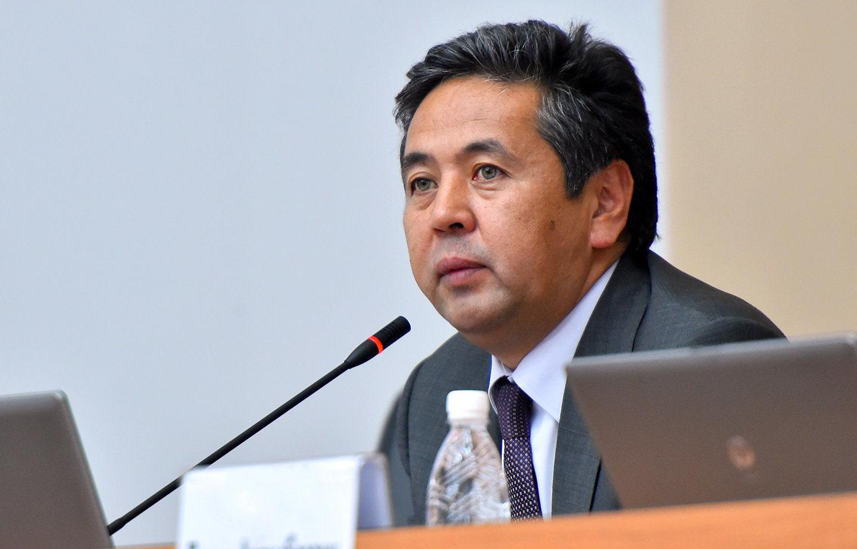 Первый вице-премьер-министр Тайырбек Сарпашев на заседании республиканского штаба по созданию Единого государственного реестра населения (ЕГРН) с биометрическими данными граждан