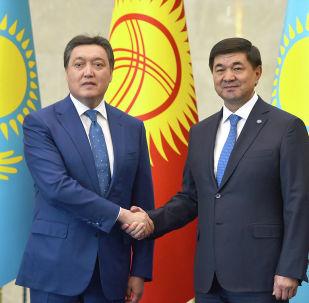 Казакстандын премьер-министри Аскар Маминдин жана КР өкмөт башчысы Мухаммедкалый Абылгазиев