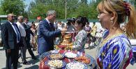 Өкмөттүн Баткен облусундагы ыйгарым укуктуу өкүлү Акрам Мадумаров баштаган делегация Өзбекстанда өткөн Улуу Жибек Жолу маданий музыкалык-фольклордук фестивалынын салтанаттуу ачылышына катышты