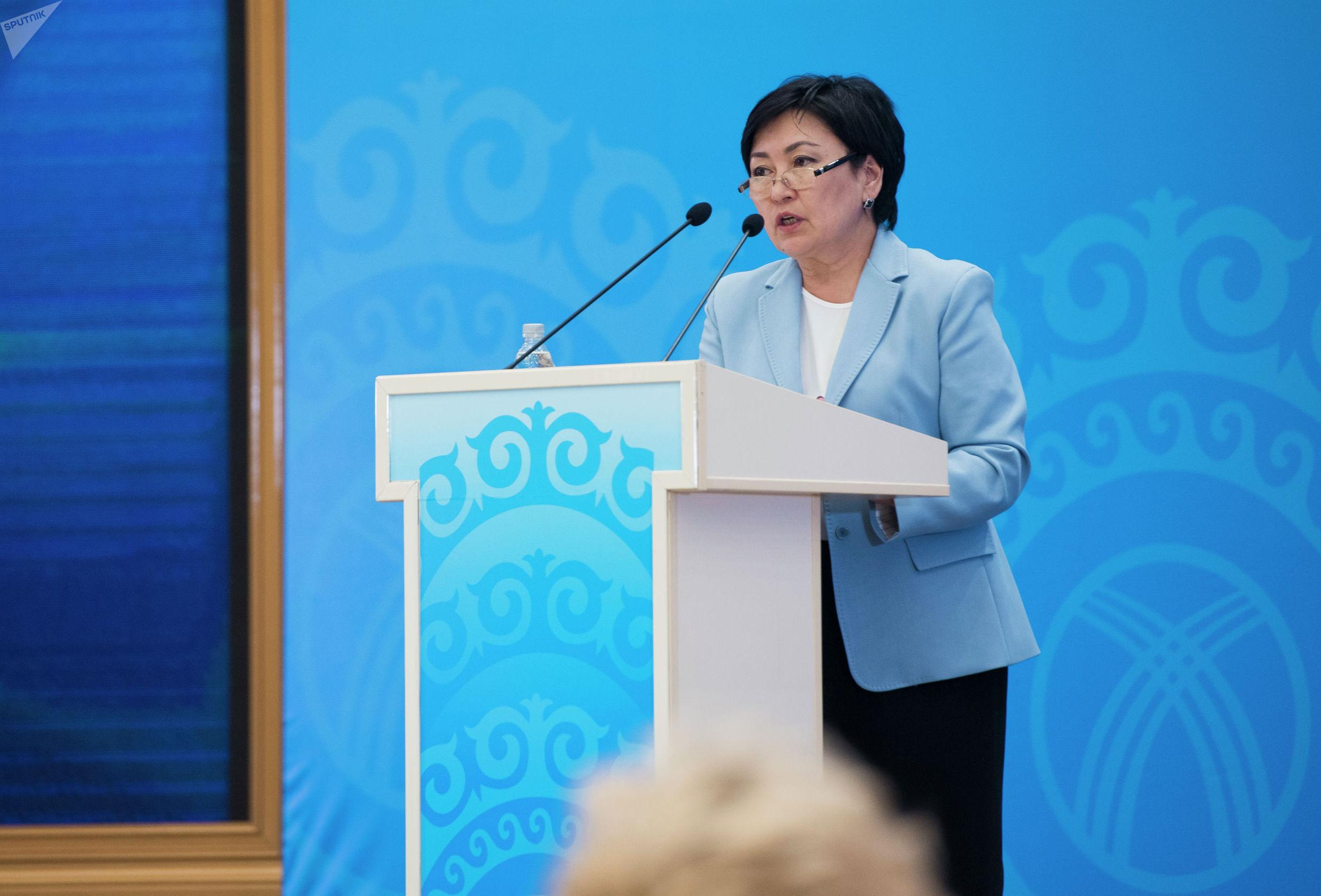 Министр образования КР Гульмира Кудайбердиева приняла участие в работе Национального форума, посвящённого 30-летию принятия конвенции ООН по правам ребёнка и 25-летию присоединения Кыргызской Республики к данной конвенции.