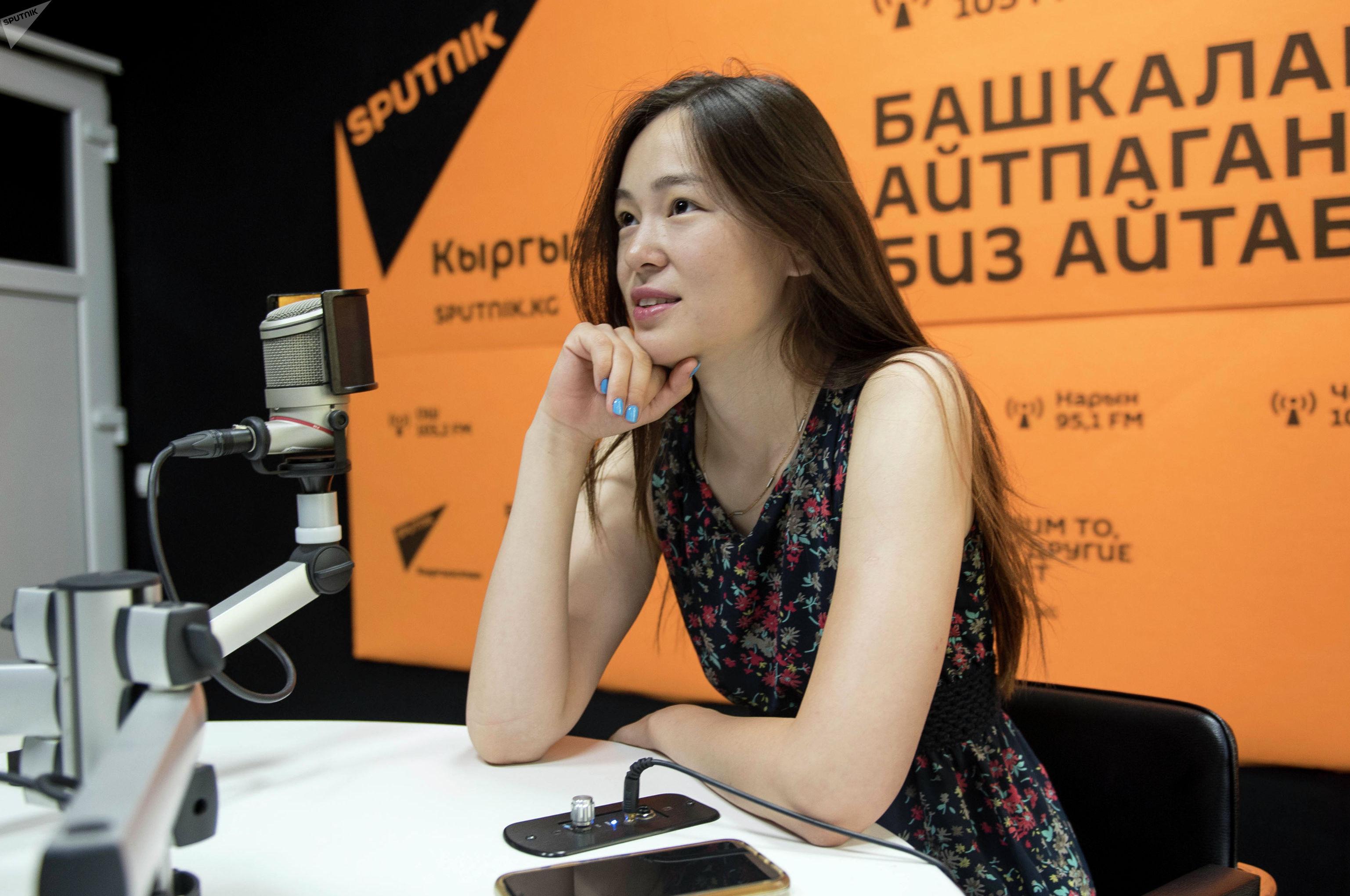 Основатель клуба программирования Neobis, где обучаются студенты IT-сферы Санира Маджикова во время беседы на радио Sputnik Кыргызстан