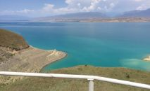 Низкий уровень воды в Токогульском водохранилище