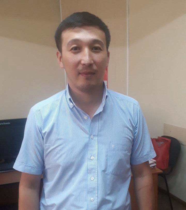 Работник МП Бишкекские парковки и стоянки Казыбай Турусбай уулу