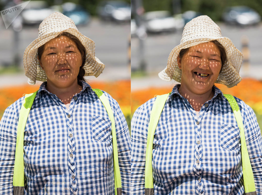 Улыбка помогает справиться со стрессом — когда мы улыбаемся, в крови вырабатываются эндорфины. Поэтому в трудных ситуациях некоторые психологи рекомендуют посмеяться.