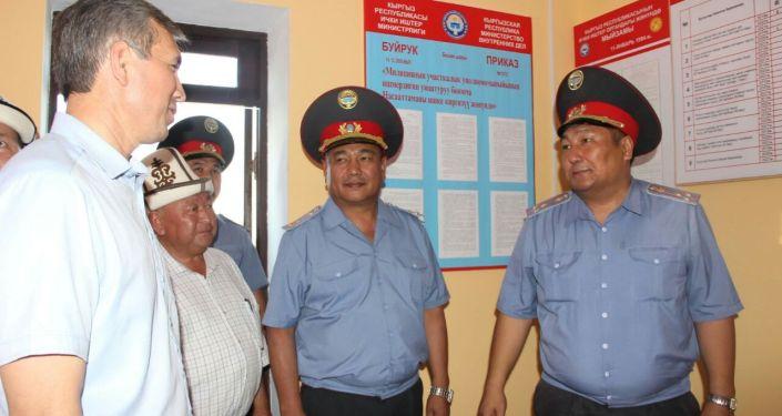 Постройка дома и отделения милиции в селе Ак-Турпак Кадамжайского района