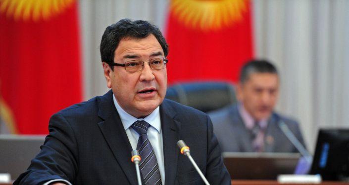 Мурдагы вице-премьер-министр Шамил Атаханов. Архивдик сүрөт