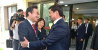 КР премьер-министри Мухаммедкалый Абылгазиев жана Кореянын өкмөт башчысы Ли Нак Ён