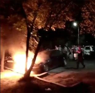 Минувшей ночью в Бишкеке произошло возгорание автомобиля.
