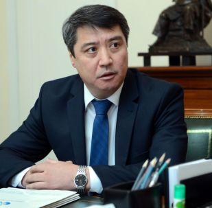Глава Государственной налоговой службы Тенизбек Абжапаров. Архивное фото