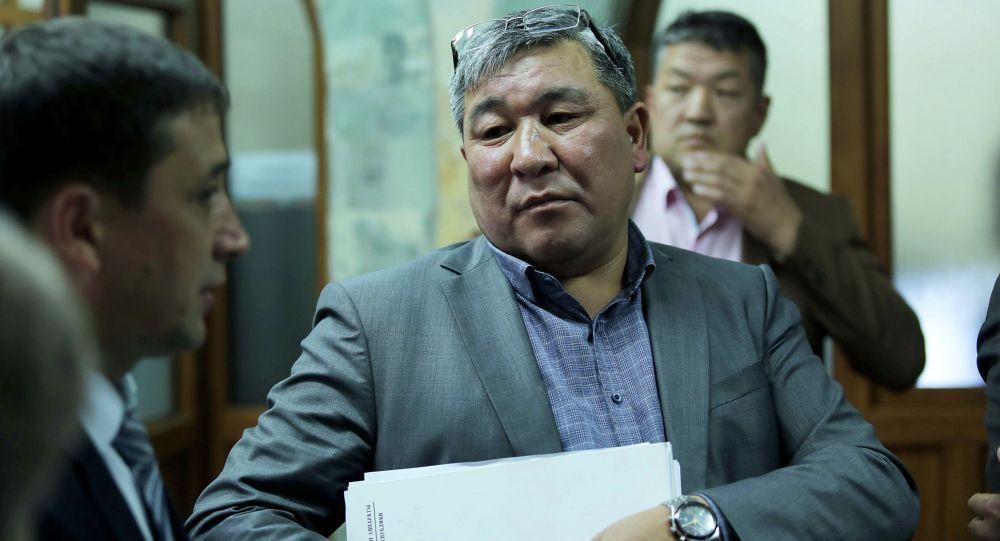 Депутат Рыскелди Момбеков. Архивдик сүрөт