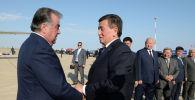 """Президент Республики Таджикистан Эмомали Рахмон прибыл в Кыргызстан с рабочим визитом в международном аэропорту """"Иссык-Куль"""" в Иссык-Кульской области"""