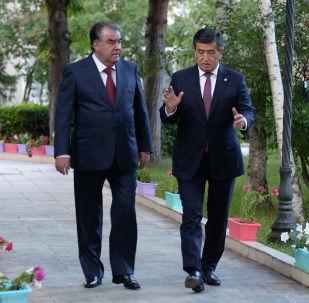 Чолпон-Ата шаарында президент Сооронбай Жээнбековдун жана Тажикстандын башчысы Эмомали Рахмондун сүйлөшүүлөрү уланды