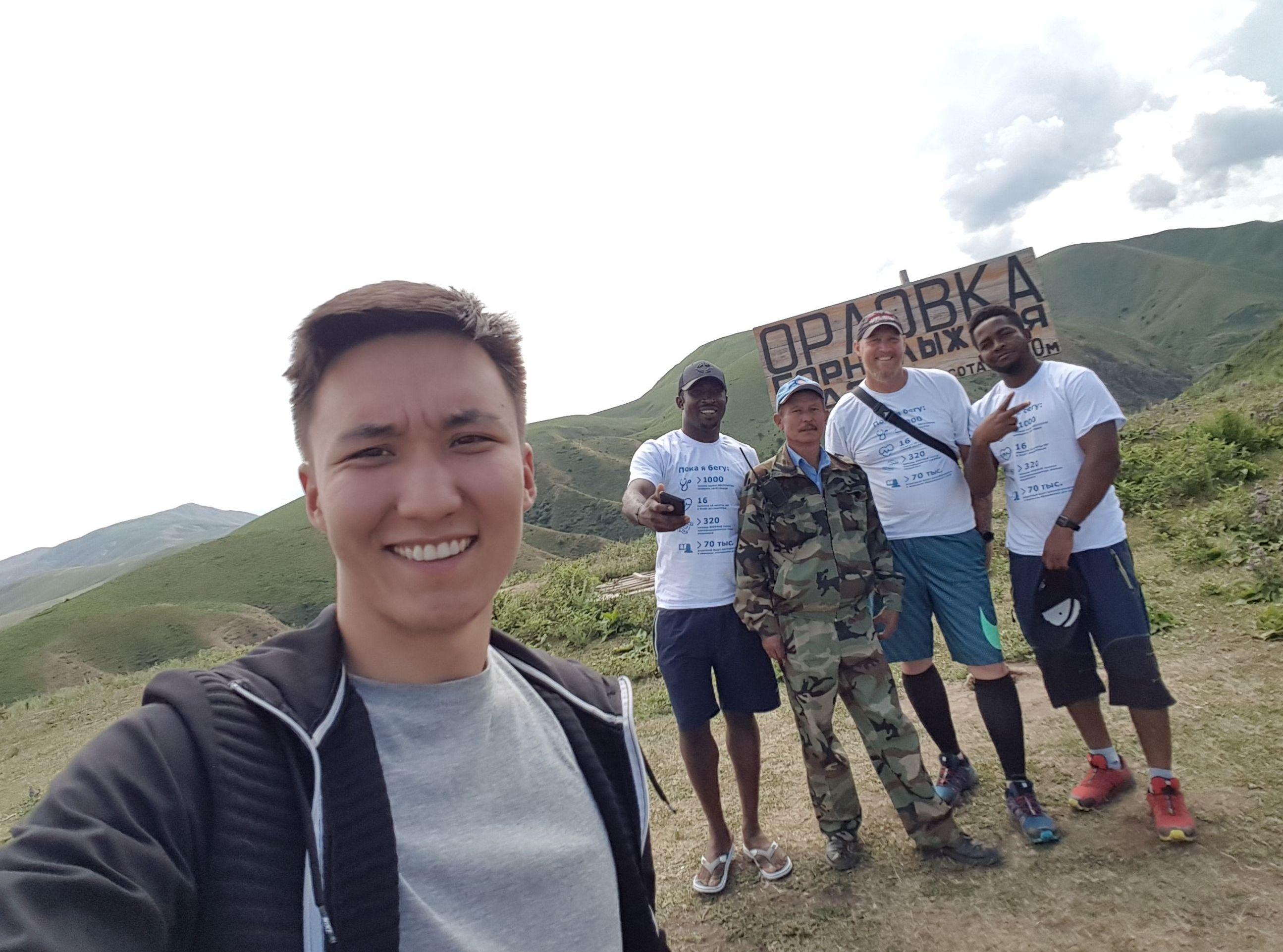 Учитель в бишкекской школе из Южно-Африканской Республики Джо Лабускахне во время путешествия по Кыргызстану