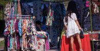 В центре Бишкека прошел ежегодный фестиваль традиционной культуры и ремесел Оймо. Он начался 25 июля и продлился три дня, после чего продолжится в Чолпон-Ате.