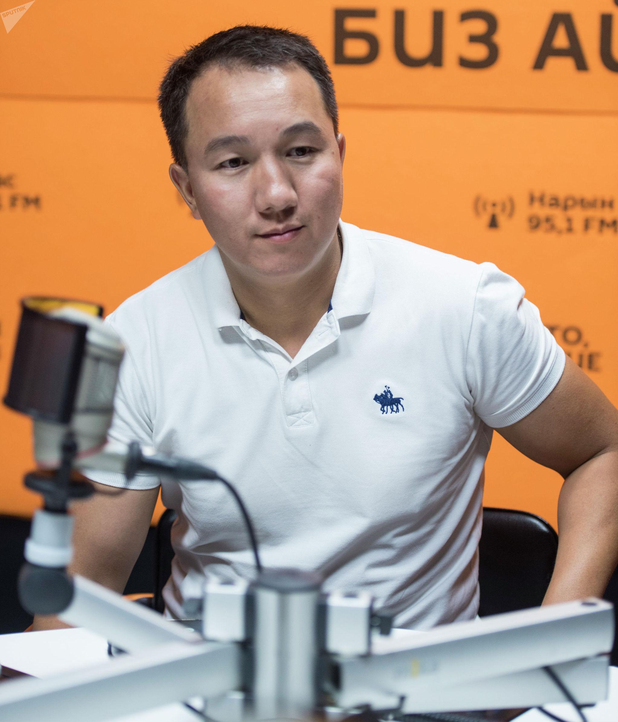 Предприниматель и общественный деятель Кубанычбек Осмонбеков во время интервью