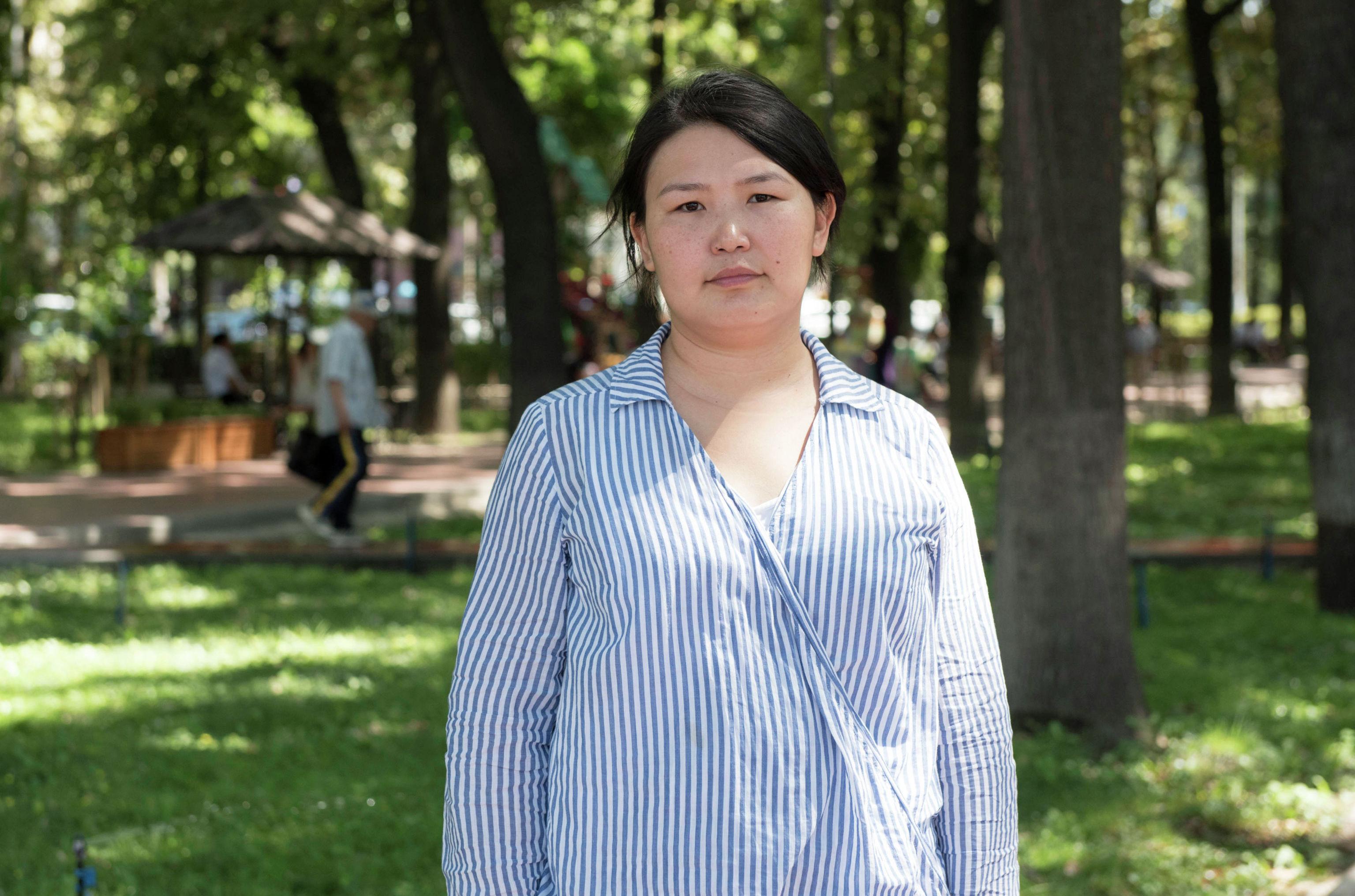 Общественный деятель Жылдыз Осмонова во время беседы на радио Sputnik Кыргызстан