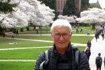 Преподаватель в бизнес-школе Вашингтонского университета Виталий Нишанов на прогулке