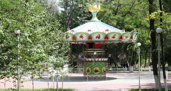 В Оше завершаются работы по реконструкции парка Токтогула Сатылганова со 100-летней историей