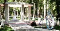 Ош шаарында 100 жылдык тарыхы бар Токтогул Сатылганов атындагы паркты оңдоо иштери аягына чыгууда.