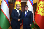 Премьер-министр Кыргызстана Мухаммедкалый Абылгазиев и глава правительства Узбекистана Абдулла Арипов в Бишкеке