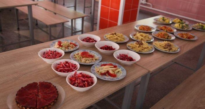 В преддверии нового учебного года в Кыргызстане проводят тренинги для школьных поваров