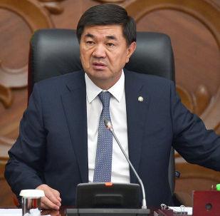 Премьер-министр Мухаммедкалый Абылгазиев. Архивдик сүрөт
