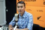 Организатор фестиваля Tengri music 2019 Адилет Айдаров во время беседы на радио