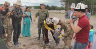 Россияда Коргоо министрлигинин демилгеси менен өтүп жаткан Аскер оюндарынын алкагында кыргыз элинин улуттук буюмдарынын көргөзмөсү өтүүдө