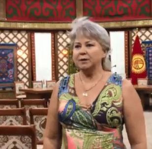 Депутат Жогорку Кенеша Ирина Карамушкина в ходе обращения сказала, что ранены, как сторонники Атамбаева, так и спецназовцы, которые штурмуют дом бывшего президента.