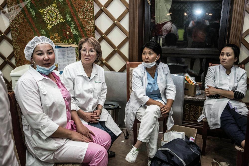 Сотрудники скорой помощи дежурили всю ночь в селе Кой-Таш