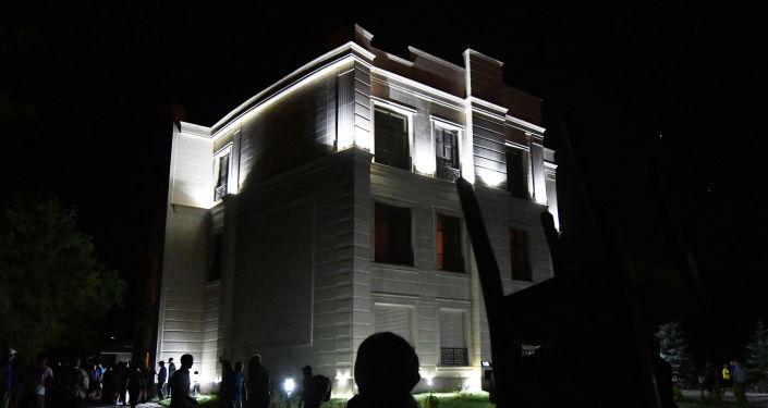 Вид на дом Алмазбека Атамбаева в Кой-Таше. Архивное фото
