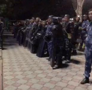 Sputnik Кыргызстан ведет прямую трансляцию из центра Бишкека.