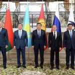 Кыргызстанга келген премьер-министрлер президент Сооронбай Жээнбеков менен жолукту.