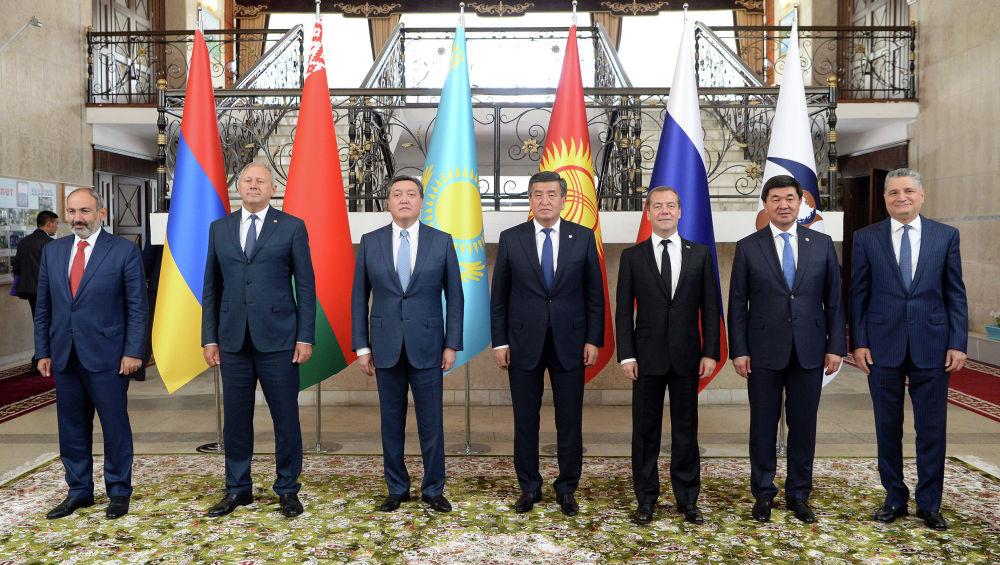 Главы правительств встретились с президентом КР Сооронбаем Жээнбековым