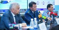 Руководители силовых и надзорного ведомств выступают на пресс-конференции.