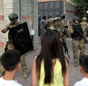 Атамбаевдин Кой-Таштагы үйүндөгү атайын операция