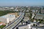 Вид на улицу Малдыбаева и реку Ала-Арча с высоты в Бишкеке. Архивное фото