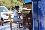 В 7-м микрорайоне Бишкека возле торгового центра Beta Stores 2 открылась площадка Музыка для всех