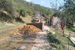 Сары-Челек коругунун кызматкерлери өз каражатына ашар жолу менен жол оңдошту