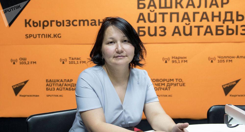Неонатолог Национального центра охраны материнства и детства Элла Жумалиева во время беседы на радио Sputnik