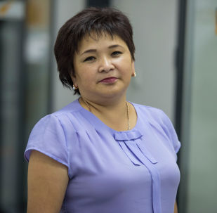 Бишкек шаарынын Ленин райондук билим берүү борборунун башкы адиси Гүлзат Алымкулова