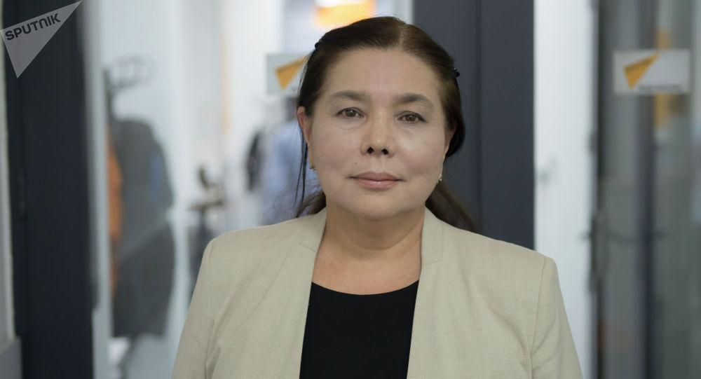 Дочь великого кыргызского художника Кулчоро Керимбекова Нур Керим