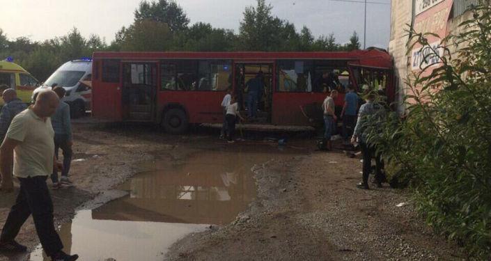 На месте ДТП с пассажирским автобусом в Перми