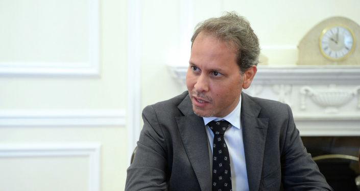 Президент КР Сооронбай Жээнбеков принял исполнительного директора компании Аль Бавани Ко ЛТД Фахера Аль Шавафа