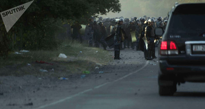 Внедорожники выезжают из села Кой-Таш. Архивное фото
